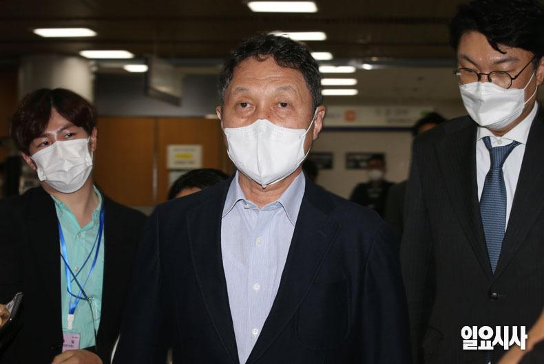 끼어들기 보복운전 혐의로 1심서 징역형 집행유예를 선고받은 구본성 아워홈 부회장